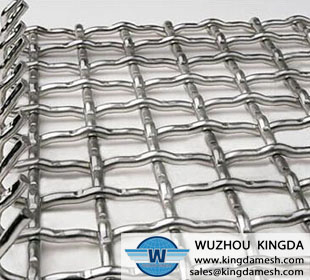 Plicated wire mesh