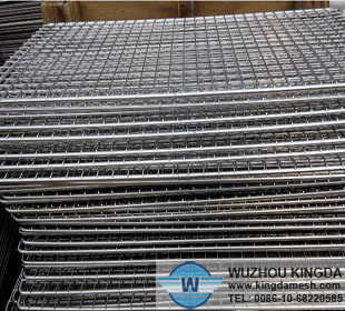 Metal wire mesh cooling rack