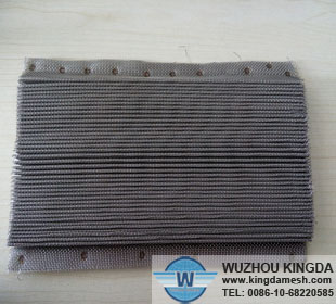 Pleated wire mesh