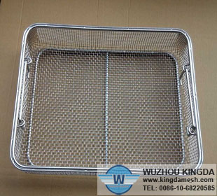 Sterilizing tray with handles