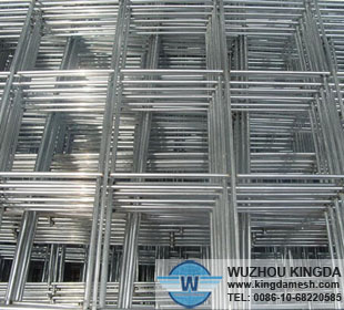 Welded wire mesh panel screen