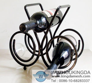 Kitchen wire wine holder